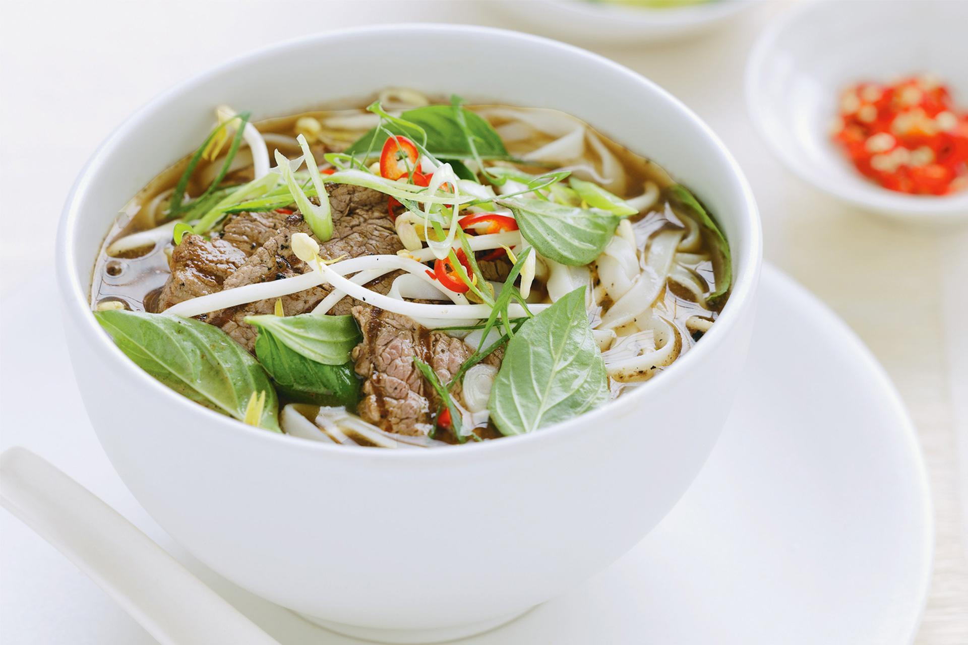 Традиционный суп фо бо